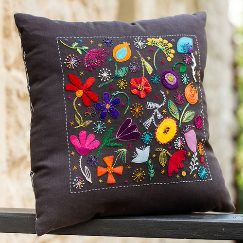 Scattered Flowers Cushion - kit